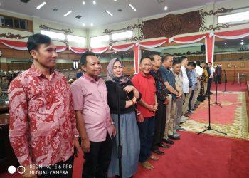 Anggota DPRD Provinsi Jambi menggelar galdi resik persiapan pelantikan, Sabtu, (7/9)