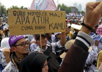 Ilustrasi aksi para Guru Honorer. (CNNIndonesia)