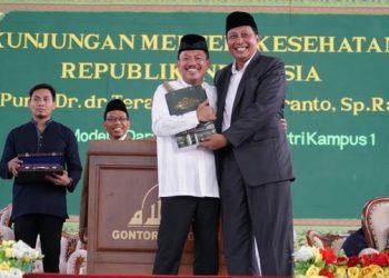 Menteri Kesehatan Terawan Agus Putranto saat berkunjung ke Pesantren Gontor. (Biro Pers Kementerian Kesehatan Republik Indonesia)