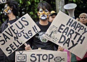 Aktivis lingkungan hidup. (Antara/Yudhi Mahatma)