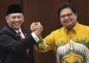 Bambang Soesatyo dan Airlangga Hartarto. (Katadata.co.id)
