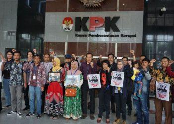 KPK terima keluarga Randi-Yusuf (Ibnu Hariyanto/Detikcom)