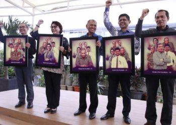 Lima Pimpinan KPK periode 2015-2019 saat perpisahan di Gedung KPK. [Suara.com/Welly Hidayat]
