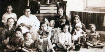 Foto keluarga B.J Habibie sumber twitter Historia